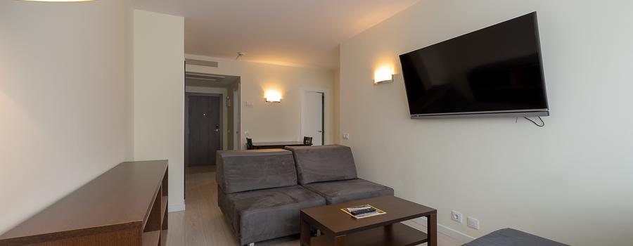 JUNIOR SUITES FOR 1-7 PEOPLE